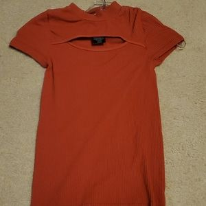 Bebe ribbed stretch keyhole top. Small
